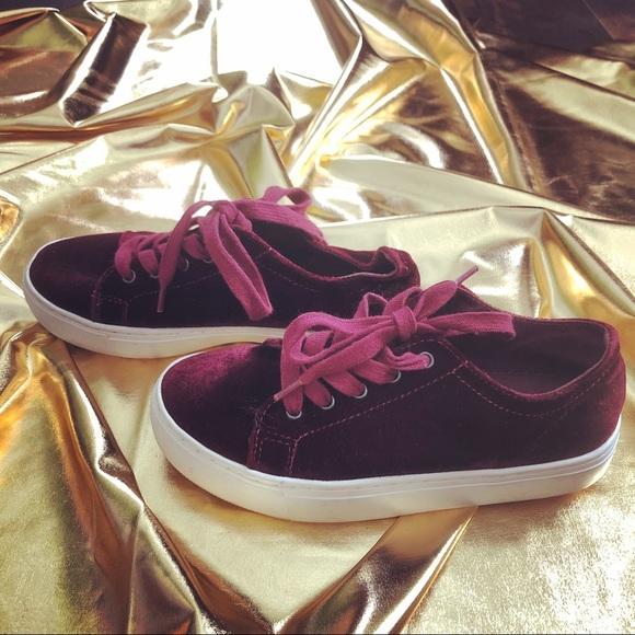 755a63ff082ce4 ZARA BASIC WOMEN - Velvet Sneakers Tennis Shoes. M 5b93124eaa571987a8d5b8ce